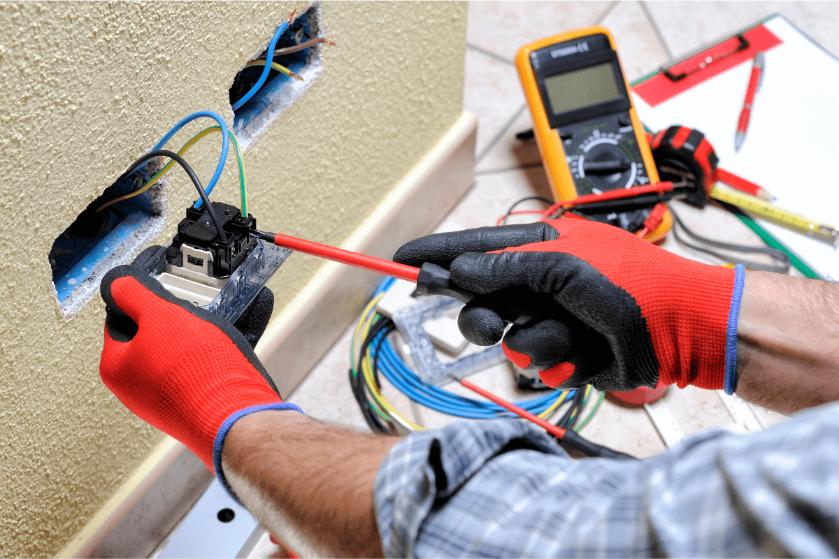 Top Electricians in Aurora